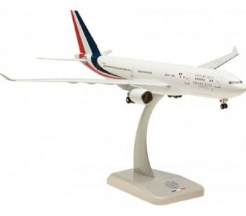 Airbus A330-200 French Air Force Hogan Collectors Model Scale 1:200 HG0526GR  E